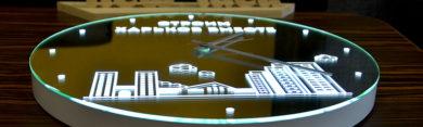 Зеркало часы с подсветкой и тематическим узором