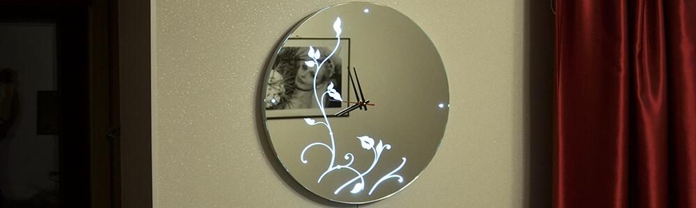 Зеркало часы с флористическим световым узором