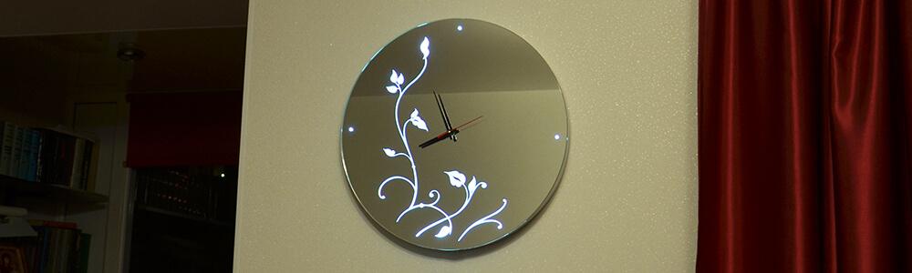 Зеркало часы в домашнем интерьере