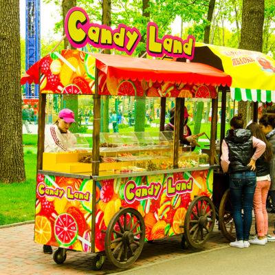 Вывеска Candy Land тележка сладостей