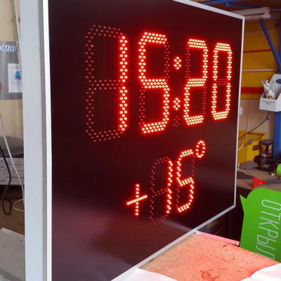 Светодиодные часы-термометр