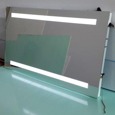 Прямоугольное зеркало с лед подсветкой линии