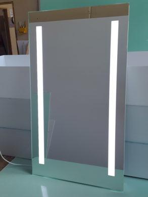 Прямоугольное зеркало с лед подсветкой