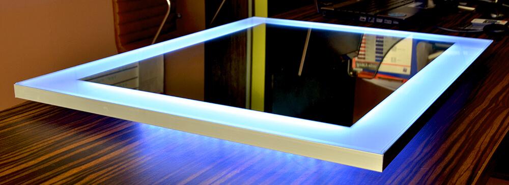 Зеркало Clasic в раме из алюминиевого профиля с rgb подсветкой и контроллером световых эффектов