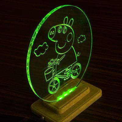 Настольный светильник Pepa