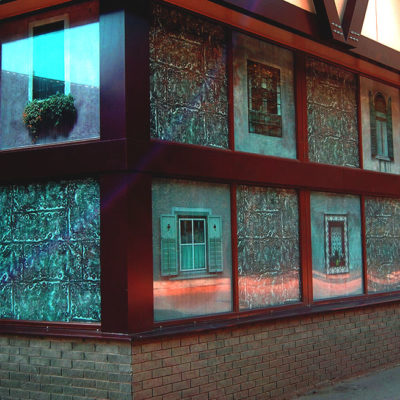 Оформление витрины плёнкой