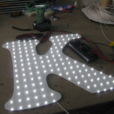 Светодиодная подсветка буквы