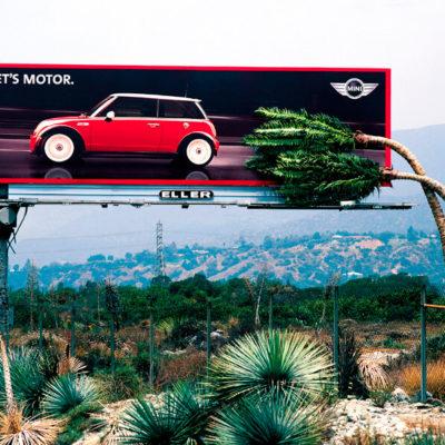 Креативная реклама автомобиля