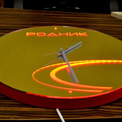 Зеркало часы с логотипом РОДНИК