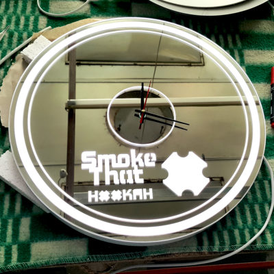 Зеркало часы с логотипом Smoke That