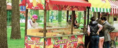 Рекламная тележка сладостей