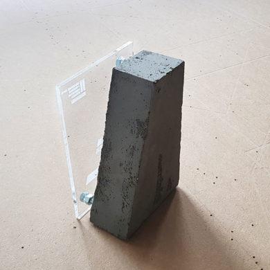 Награда в строительстве из бетона и акрила